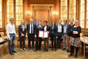 Signature de l'accord - fonctionnarisation des personnels ouvriers des CROUS