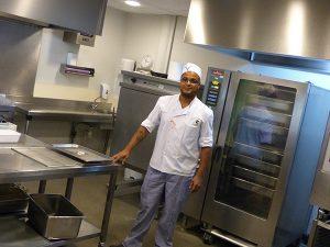 Changeons le travail - Cuisinier du Crous de Créteil- Photo Phil. A.