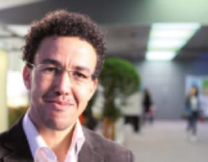 Hicham Mansouri Jourrnaliste Marocain en exil en France - Nouvelles technologies et journalisme citoyen